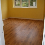 Laminate floor in a dining room
